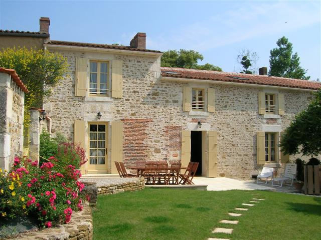 Moulin de Garreau, farmhouse with working watermill, available year round for holiday home in South Vendee